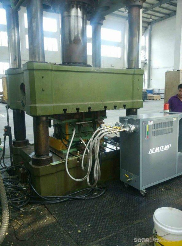 大型SMC模压机控温专用油温机